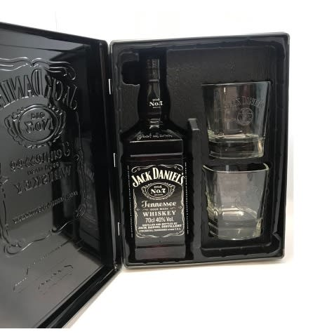 Jack Daniel's No. 7 - 70cl With Gift Pack.