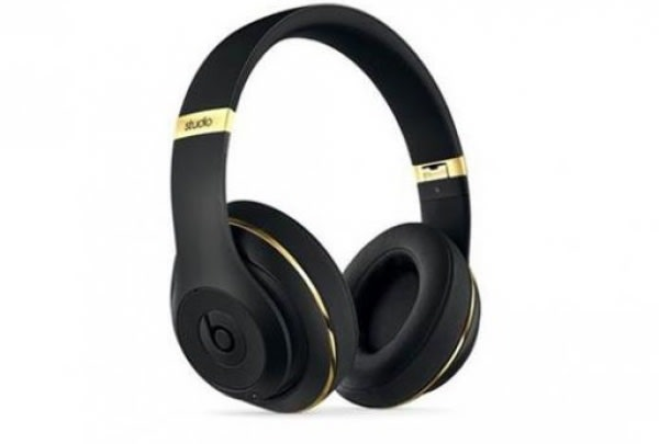 /A/l/Alexander-Wang-Beats-Studio-2-0-wireless-Black-and-Gold-7579049_1.jpg