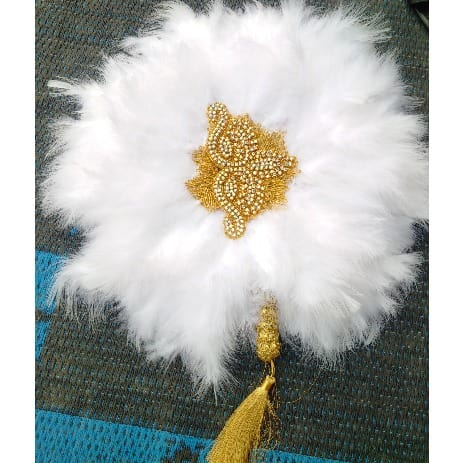 /A/l/Alexie-s-Indulgence-White-Feathers-Bridal-Hand-Fan-8068251.jpg