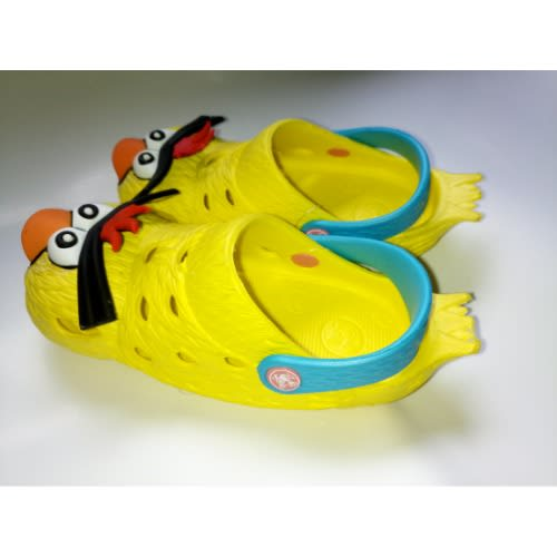 3f0e764d8820 Angry Birds 3D Crocs Clogs - Yellow