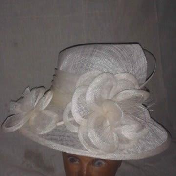 /C/r/Cream-Hat-7694127_1.jpg