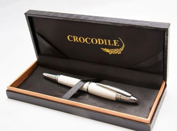 /C/r/Crocodile-White-Leather-Pen-6843674.jpg