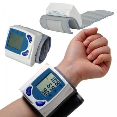 /D/i/Digital-Wrist-Blood-Pressure-Monitor-And-Heart-Meter-6856141_4.jpg