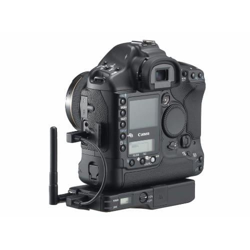 /E/O/EOS-1D-Mark-II-8-2MP-Digital-SLR-Camera--Body-Only-7706642.jpg