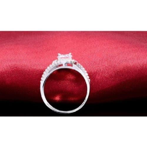 /E/v/Evysworld-Assymetric-Shaped-Engagement-Ring-7517532_1.jpg