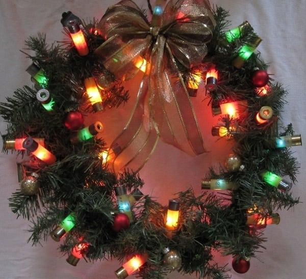 /E/x/Exotic-Christmas-Wreath-with-Lights-7950485_1.jpg