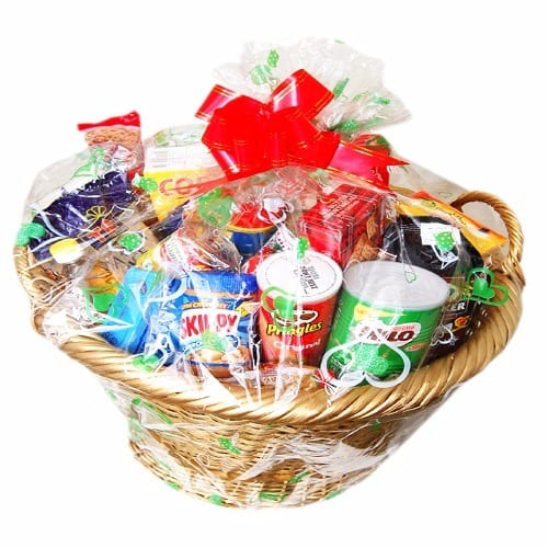 Christmas Hamper Basket.Exquisite Christmas Hamper Gold Basket