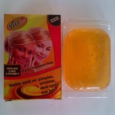 /F/a/Facial-Treatment-Soap---With-AHA-BHA-Vit-C-6259309_6.jpg