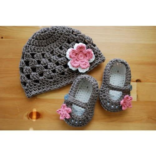 1bd4f802d Crochet Baby Girl Hat With Maryjane Booties