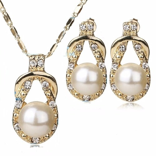 f55ab0c94e611 Gold Plated Pearl Jewelry Set