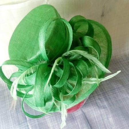 /G/r/Green-Hat-7786266_1.jpg