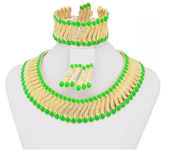 /H/e/Heavy-Indian-Gold-Plated-Jewelry-Set---Green-and-Gold-7547722.png
