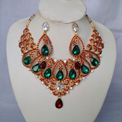 /I/n/Indian-Gold-Plated-Green-Stoned-Necklace-6107385_1.jpg