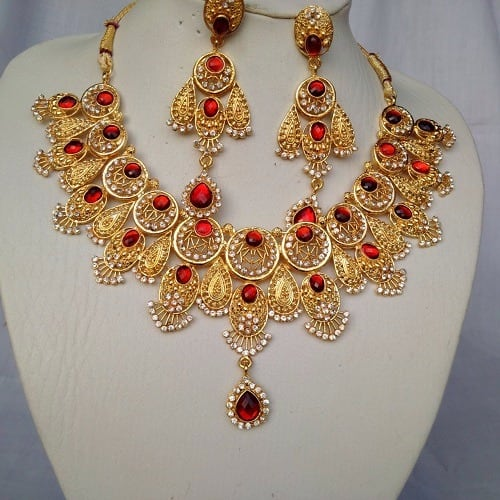 /I/n/Indian-Gold-Plated-Red-Stoned-Necklace-6107378_2.jpg