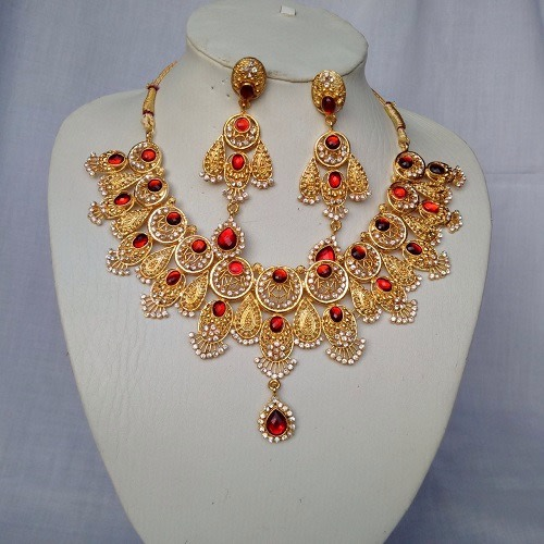 /I/n/Indian-Gold-Plated-Red-Stoned-Necklace-6107379_2.jpg