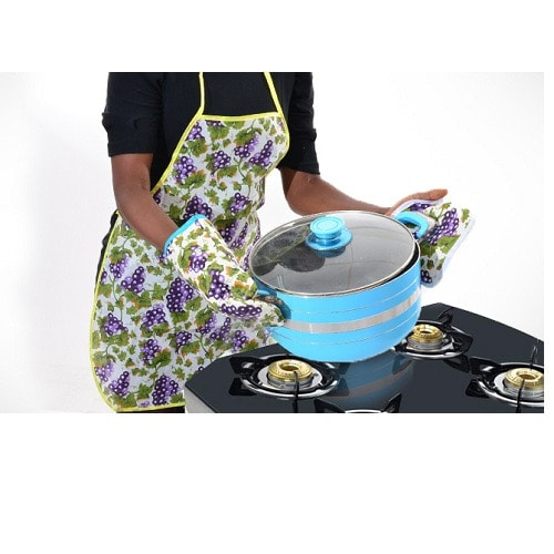 /K/i/Kitchen-Apron-with-Pot-Holder-and-Oven-Mittens-5130675_3.jpg