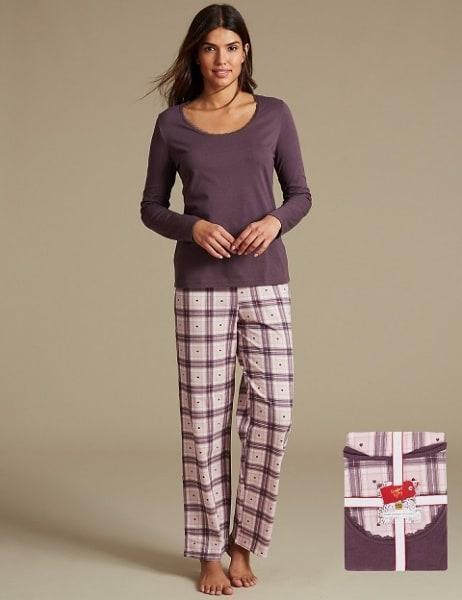 /L/a/Ladies-2-Piece-Pyjamas-7817610.jpg