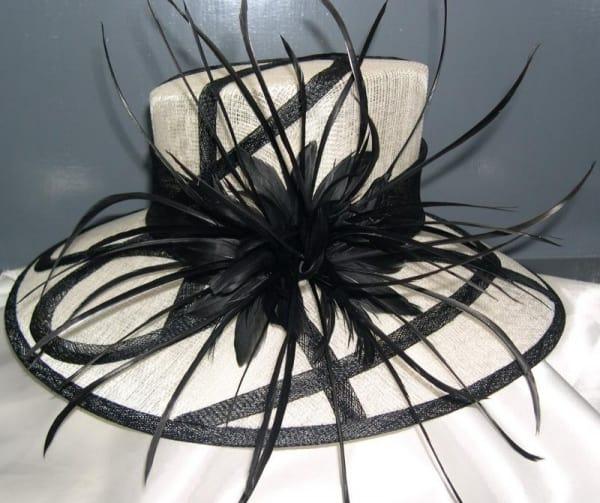 /L/a/Ladies-Hat---Beige-Black-7605369_1.jpg