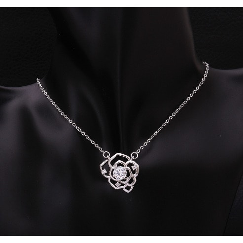 /L/a/Ladies-Necklace---Silver-7904360.jpg
