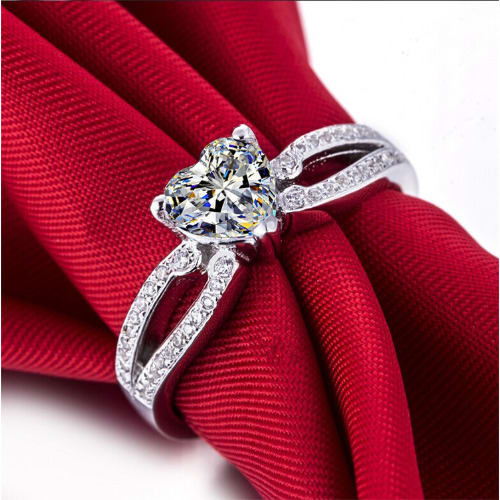 /L/a/Ladies-Sterling-Silver-Engagement-Ring-7747772.jpg
