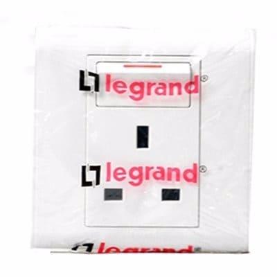 /L/e/Legrand-13A-Socket-6389046.jpg