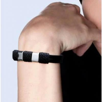 /M/e/Men-s-Leather-and-Twine-Bracelet-4929450_2.jpg