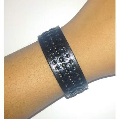 /M/e/Men-s-Mat-Design-Leather-Bracelet---Black-5048552_1.jpg