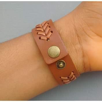 /M/e/Men-s-Mat-Design-Leather-Bracelet---Brown-6287886_1.jpg