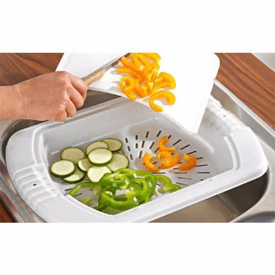 /O/v/Over-The-Sink-Chopping-Board-Drainer-4910814_3.jpg