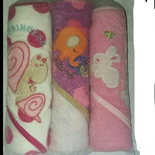 /P/a/Pack-of-3-Baby-Hooded-Towel-1628307_10.jpg
