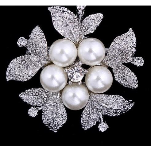 /P/e/Pearl-Flower-Brooch-7998900.jpg