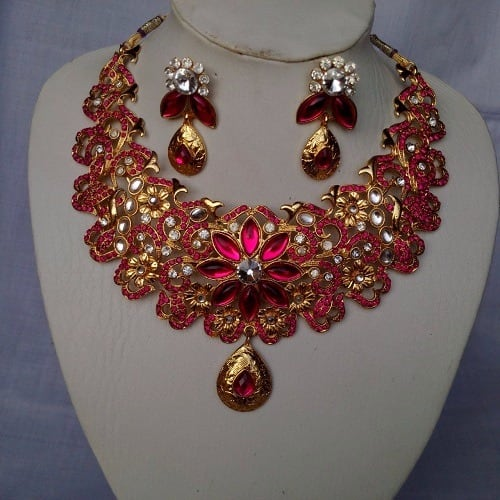 /P/i/Pink-Stoned-Gold-Plated-Necklace-6107383_2.jpg