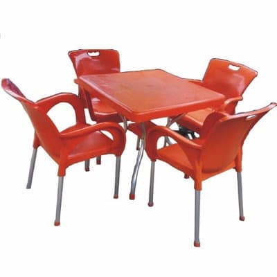 Pleasant Plastic Round Table And Four Plastic Chairs Home Remodeling Inspirations Basidirectenergyitoicom