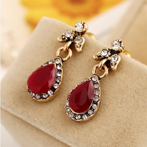 Vintage Drop Earrings - Red.