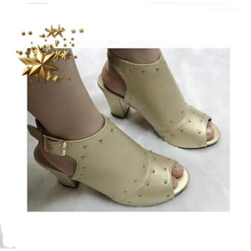a2e112f5fc5 Women's Block Heel Sandal - Gold