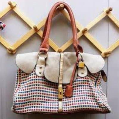 /R/e/Retractable-Wooden-Wall-Bags-Hanger-6337618_1.jpg