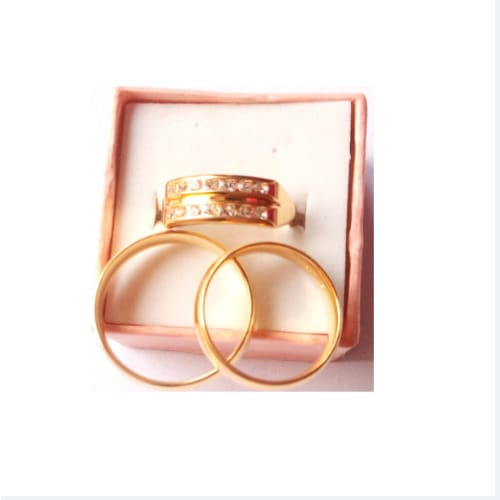 /R/o/Romania-Gold-Set-of-Engagement-and-Wedding-Rings-6008012.jpg