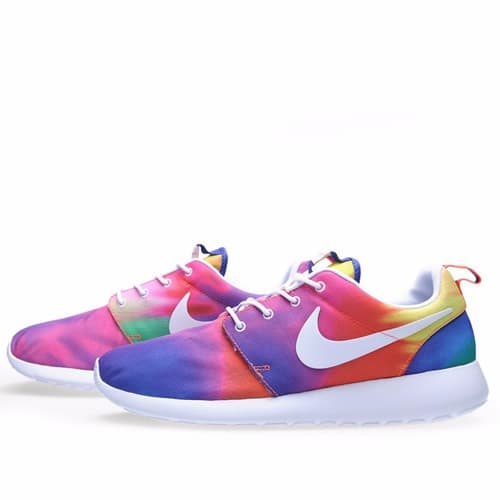 super popular b6bbd 79c40  R o Roshe-Run-Tie-Dye-Sneakers--