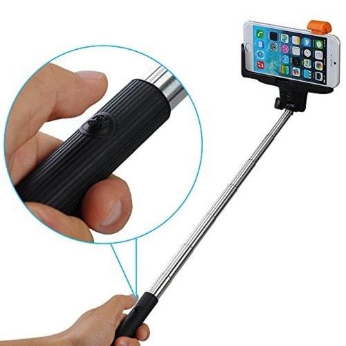 /S/e/Selfie-Stick-with-Inbuilt-Bluetooth-s-Shutter---Black-7384208.jpg