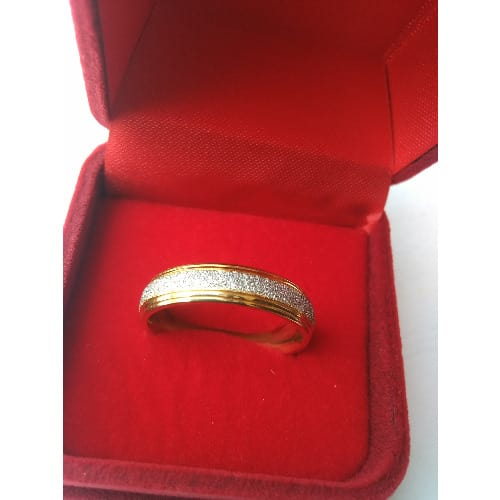 /S/e/Set-of-Gold-Wedding-Engagement-Ring-7342180.jpg