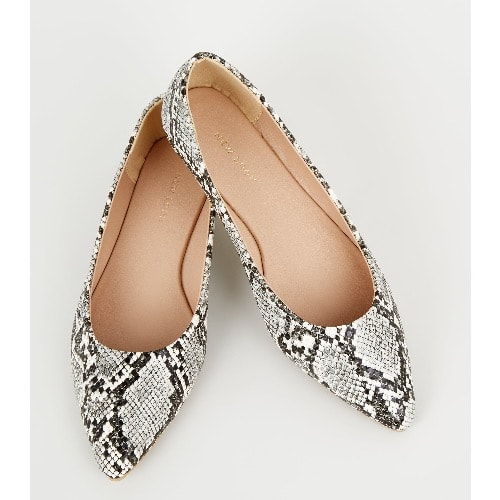 New Look Wide Fit Snake Print Pointed