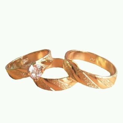 /W/e/Wedding-Ring-Set---Gold-7667557.jpg