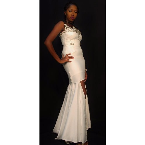 /W/h/White-and-Gray-Wedding-Dress-4970195.jpg